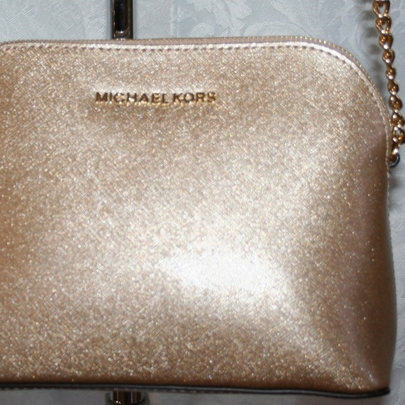 6cd424aa2dc8 MICHAEL KORS CINDY LARGE DOME CROSSBODY PALE GOLD